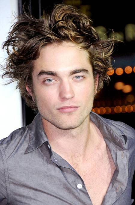 2-robert-pattinson-1712-lg